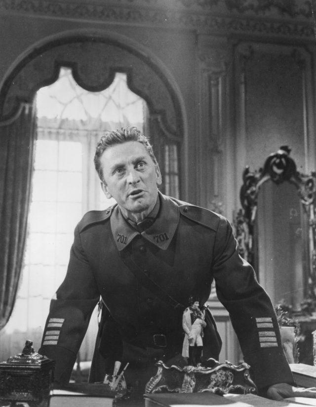 Paths of Glory - Colonel Dax (Kirk Douglas)