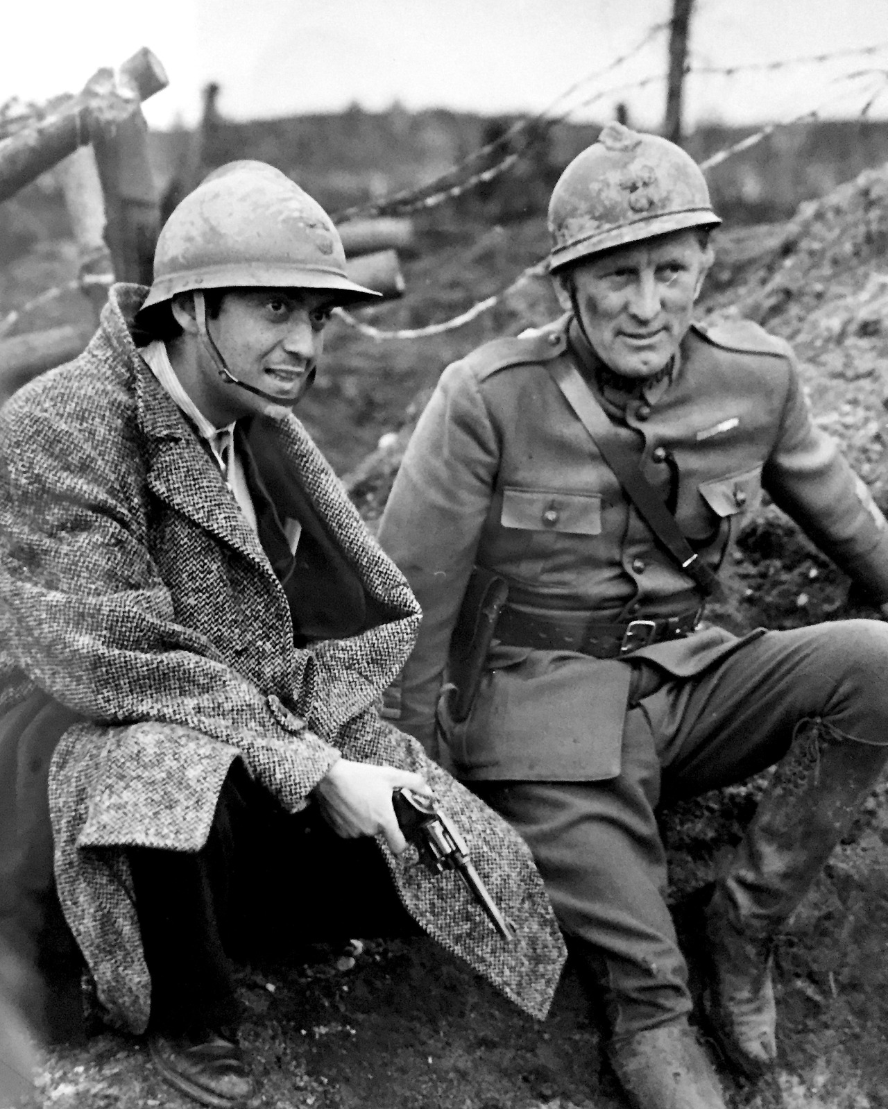 Paths of Glory (1957) Stanley Kubrick and Kird Douglas on set