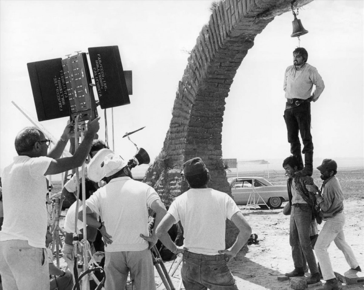 Sergio Leone directing the hanging scene of 'Once Upon a Time in the West'