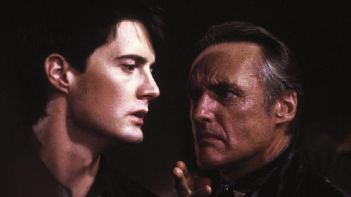 Blue Velvet (1986) - Jeffrey Beaumont (Kyle Mclachlan) and Frank Booth (Dennis Hopper)