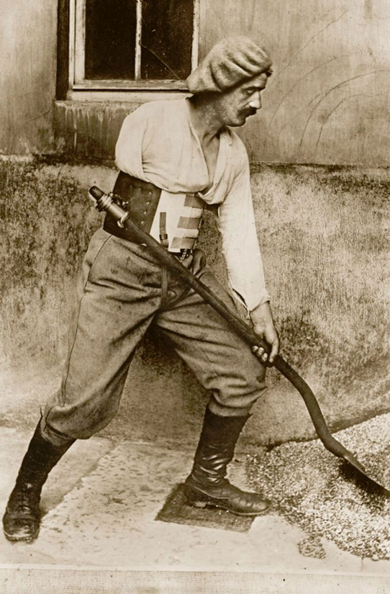 WWI amputee fitted with a shovel belt